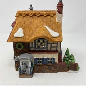 Department 56 Betsy Trotwood's Cottage